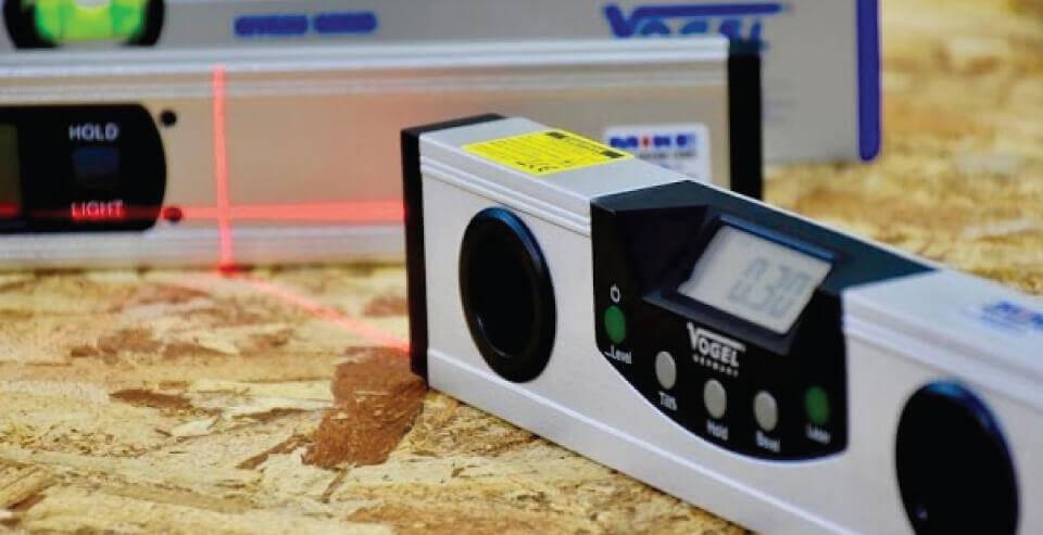 Thước thủy laser
