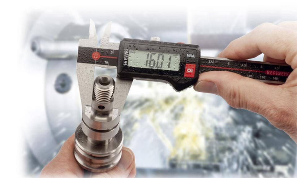 Thước cặp hay thước kẹp là thiết bị đo lường kích thước dùng để đo khoảng cách giữa hai mặt đối diện các vật thể qua tiếp xúc vật lý bằng các hàm kẹp