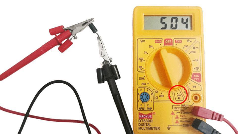 Vặn núm điều chỉnh về chế độ kiểm tra thông mạch