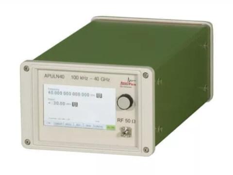 Máy phát tín hiệu siêu cao tần nhiễu cực thấp đến 40 GHz APULN_1