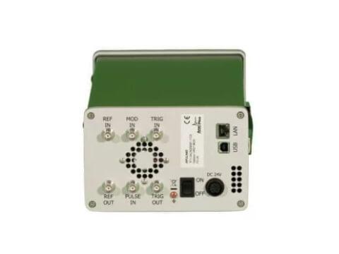 Máy phát tín hiệu siêu cao tần nhiễu cực thấp đến 40 GHz APULN_2