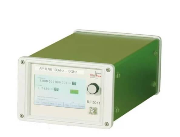 Máy phát tín hiệu siêu cao tần nhiễu cực thấp đến 40 GHz APULN_3
