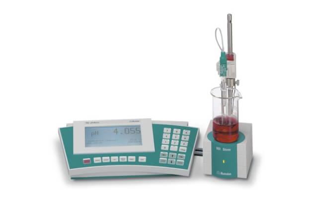 Máy đo pH/nhiệt độ/ORP để bàn Metrohm 780