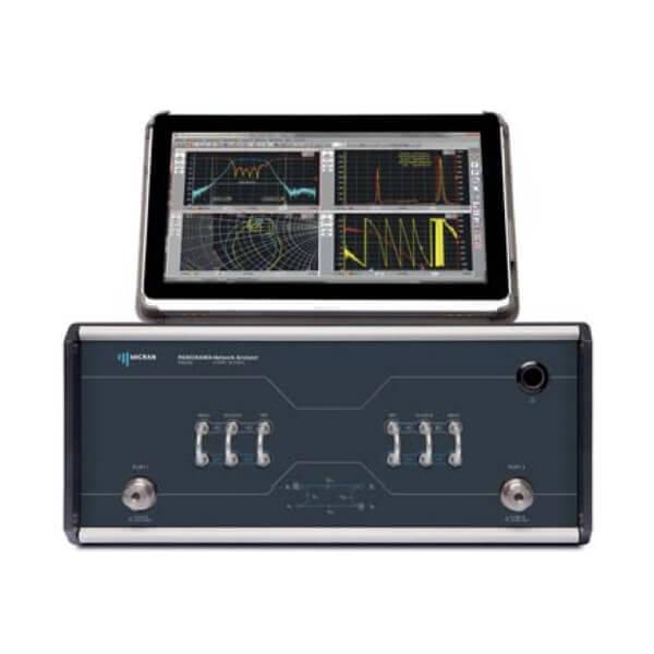 Máy phân tích mạng vector đến 13,5 GHz R4213_1