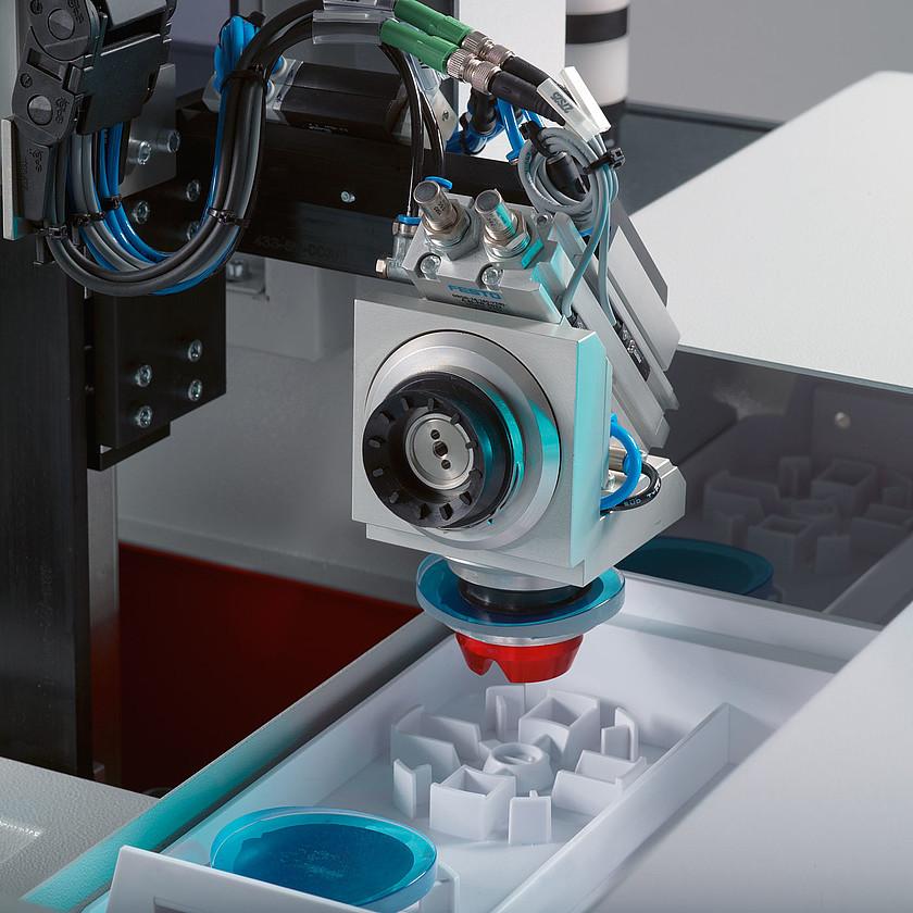 csm_ophthalmics-ccl-modulo-laser-marking-automation-schneider-optical-machines-1400x1400_ec424c1195