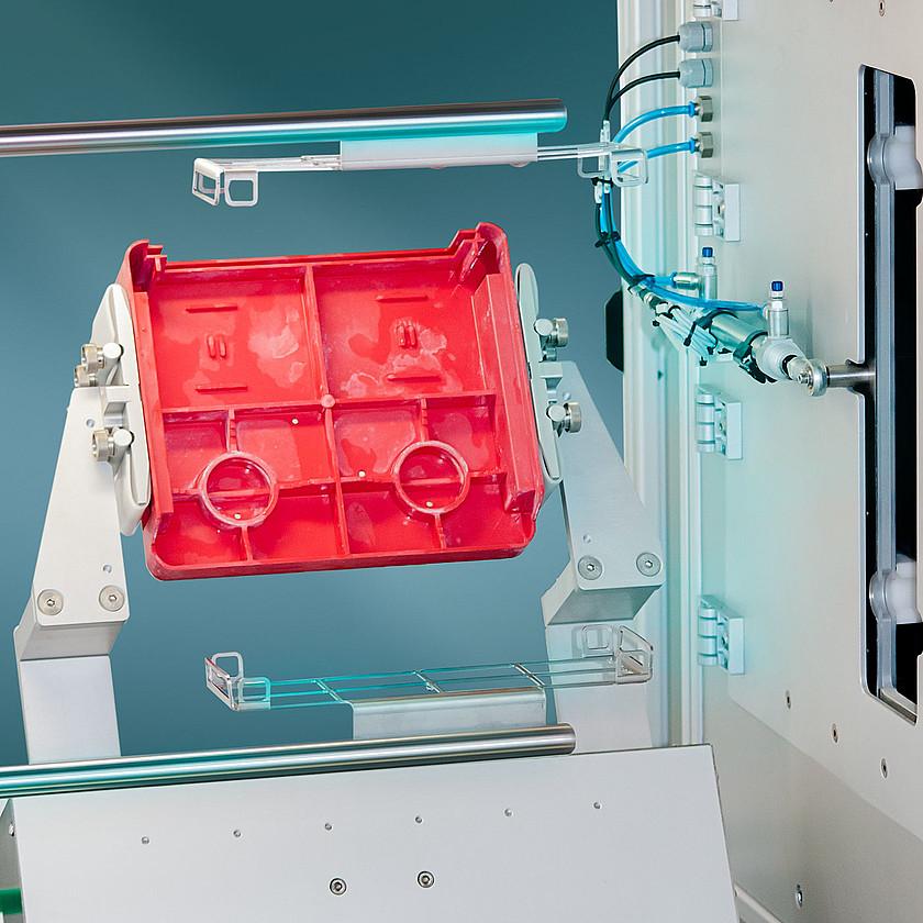 csm_ophthalmics-TWA-pre-cleaning-schneider-optical-machines-1400x1400_2fadaa8ab0