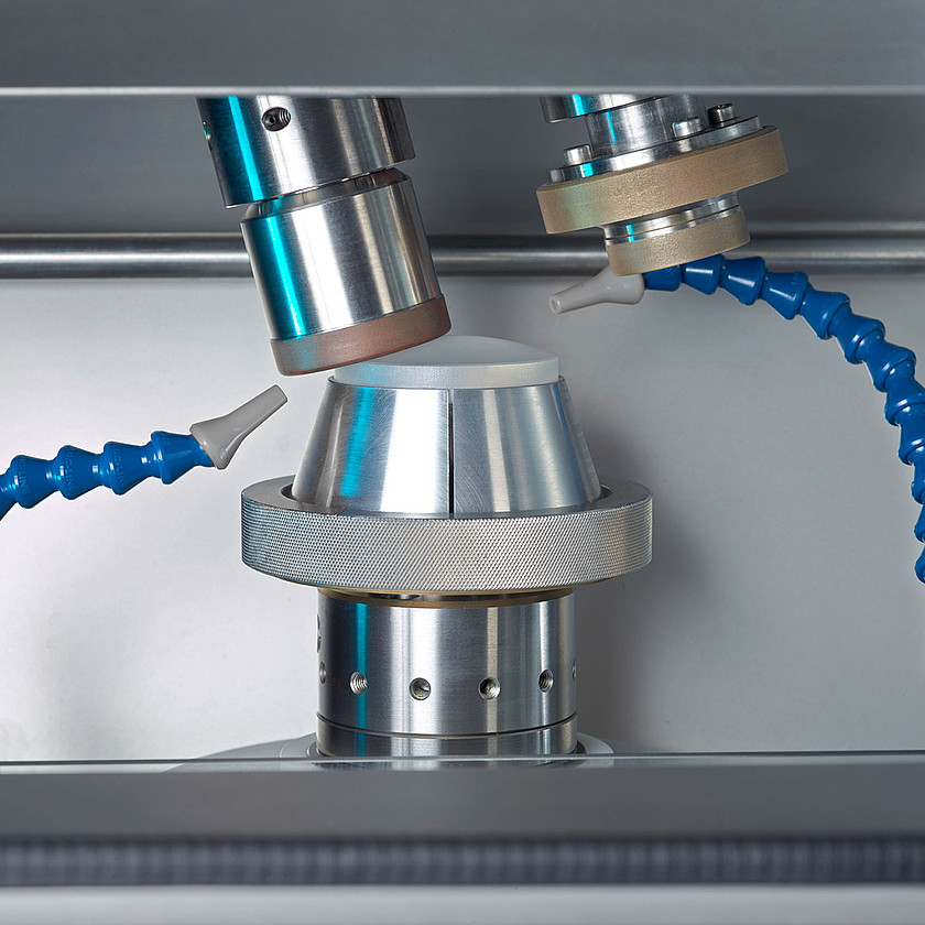 csm_precision-optics-grinding-slg-80-rough-grinding-schneider-optical-machines-1400x1400_ac070e7351