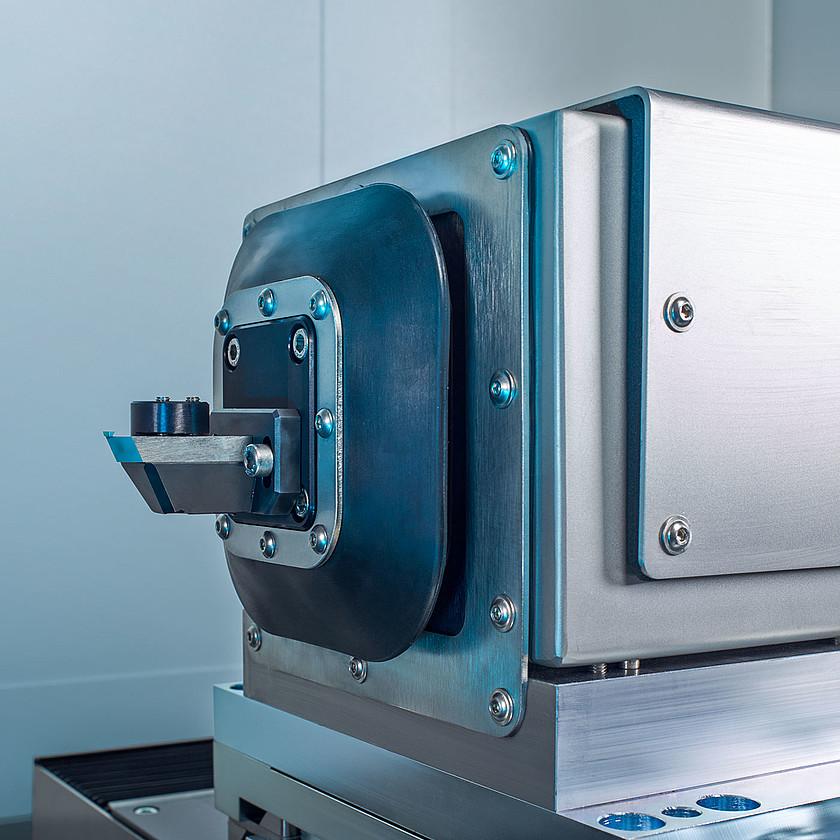 csm_ultra-precision-optics-upc-300-fast-tool-2-schneider-optical-machines-1400x1400_6745bd678c