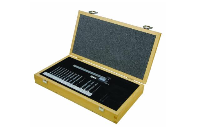 Bộ dụng cụ cho thước đo lỗ kích thước nhỏ Insize 2421